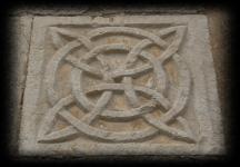 Il Nodo sulla facciata della chiesa di S. Erasmo, a Veroli